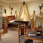 Создание стиля ампир в спальне