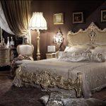 Спальня барокко отличается красотой и шармом