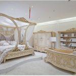 Спальня и ее оформление в уютном стиле барокко