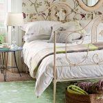 Спальня кантри для тех, кто любит уют