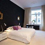 Спальня организованная в черном цвете