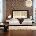 Спальня с полами из ламината
