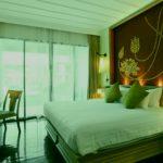 Спальня в зеленом мятном тоне