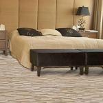 Стоит ли использовать ламинат для оформления спальни