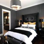 Стоит ли оформлять спальню в черном цвете
