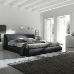 Светлая спальня, выполненная в чертах стиля модерн