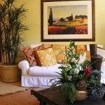 Цветы для оформления интерьера спальни