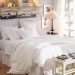 Украшаем интерьер спальни с помощью полок