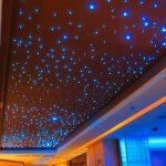 Установка звездного неба на потолке в спальне
