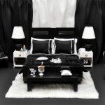 Уютная спальня в черном цвете