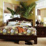 Вариант размещения комнатных цветов в спальне