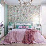 Яркая и нежная спальня в стиле кантри