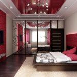 Яркая и оригинальная красная спальня