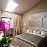 Яркие цветы для обустройства спальни