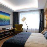 Дизайн спальни с домашним кинотеатром