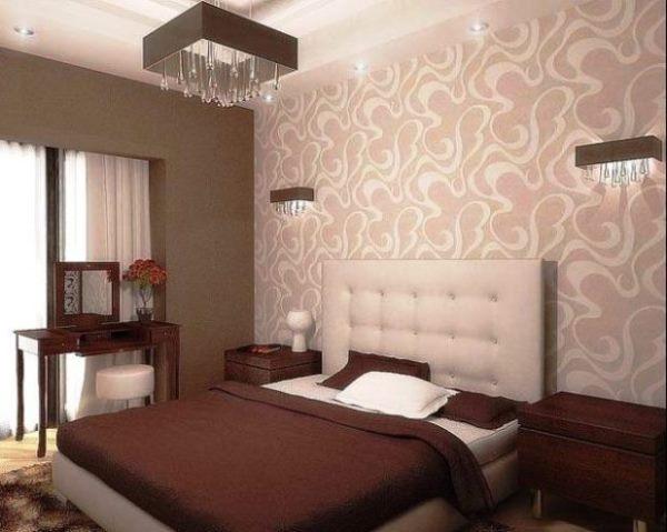 Как подобрать интерьер с обоями двух видов для спальни
