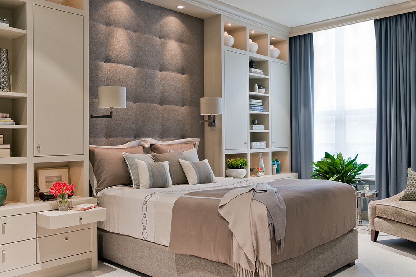 bedroom design If you are looking for inspiration on how to decorate your small bedroom, check out these fantastic space-saving design and furniture ideas.