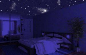 Эффект звездное небо на потолке в спальне