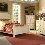 Уютный стиль кантри для оформления спальни