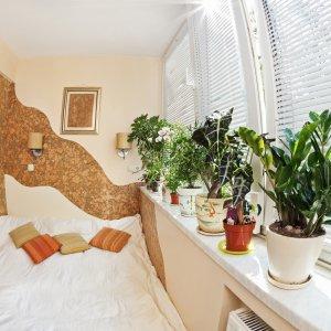 Интерьер спальни и использование в нем цветов