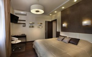 Комбинированное освещение в спальне