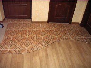 Комбинированный пол плитка ламинат в спальне