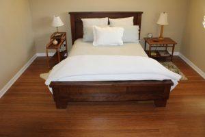Коричневый линолеум в цвет мебели для пола спальни