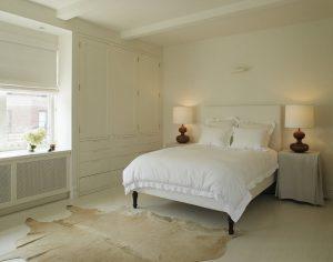 Применяем шкуры животных в интерьере современной спальни