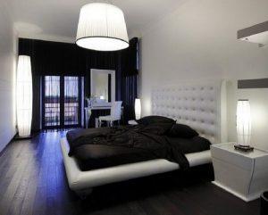Современный и красивый комбинированный пол в спальню