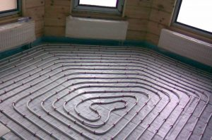 Теплый пол в спальне водяного типа
