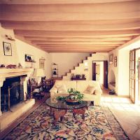 Оформление интерьера гостиной загородного дома