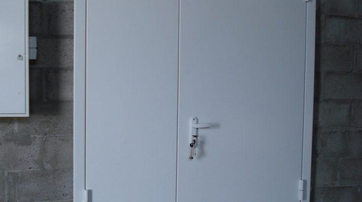 Стальные двери промышленного типа