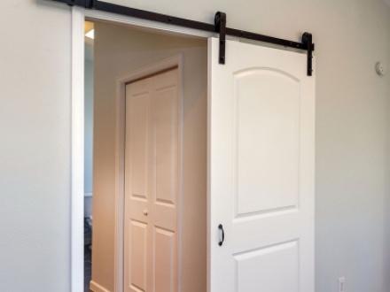 Выбор и установка межкомнатных дверей. На что обращать внимание