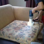 Преимущества профессиональной чистки мягкой мебели